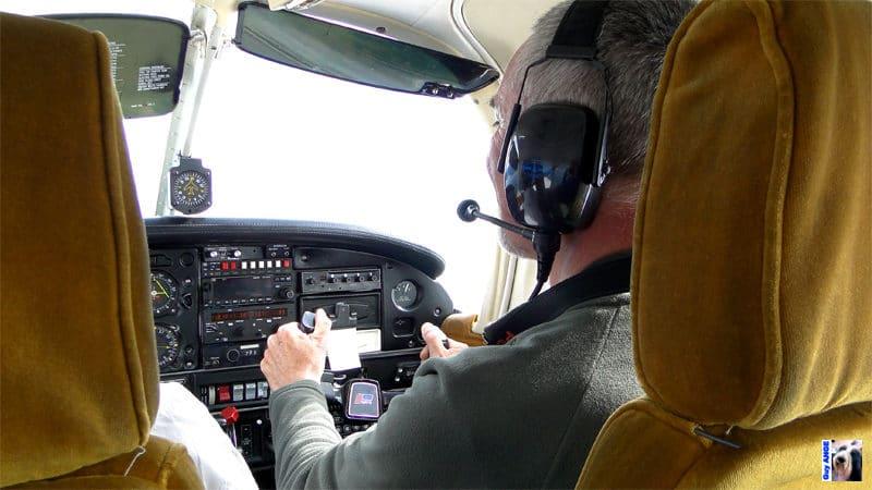 Vol au-dessus du canal de Beagle. Le pilote me confie les commandes !