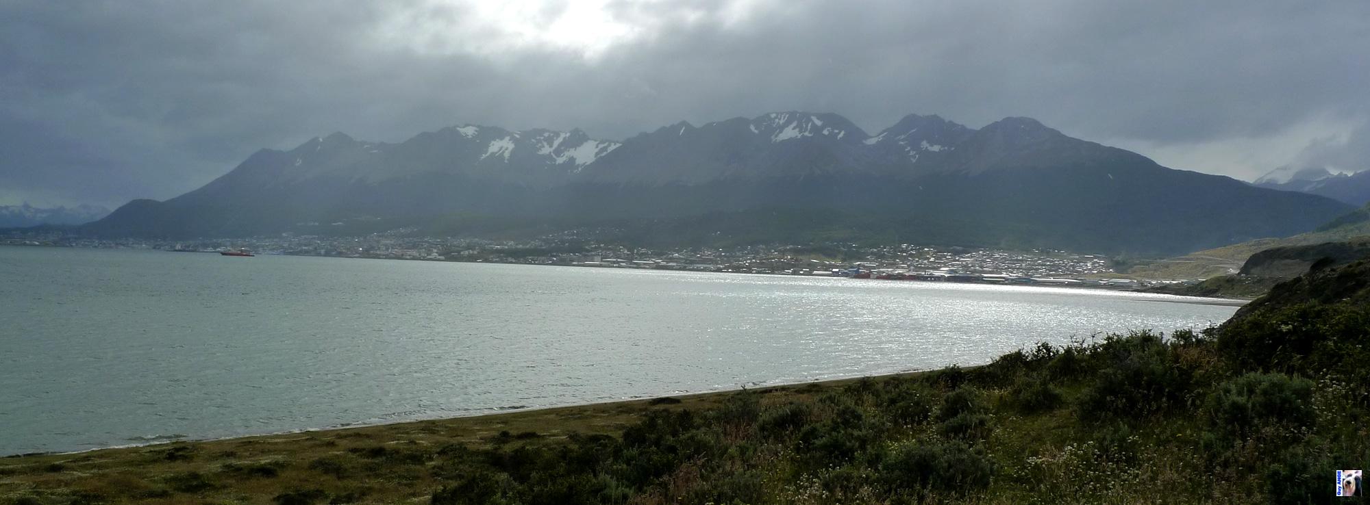 Nous arrivons à Ushuaïa, ville mythique. La fine del mundo.
