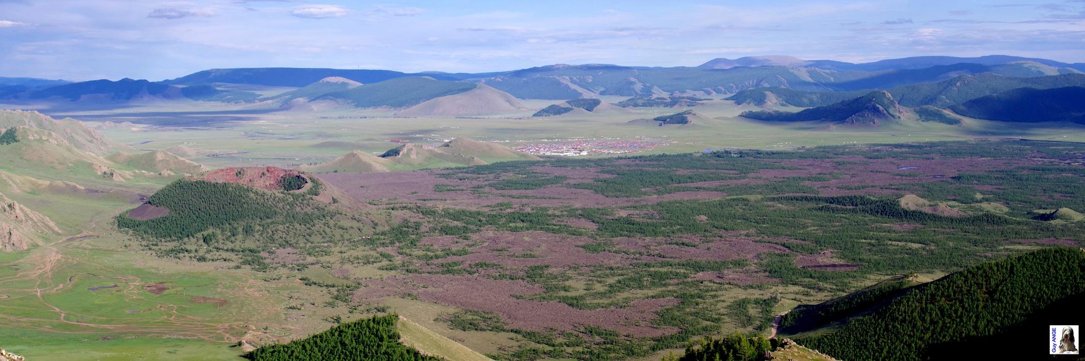 Parc Naturel de Terkhiin Tsagaan Nuur. Volcan Khorgo.