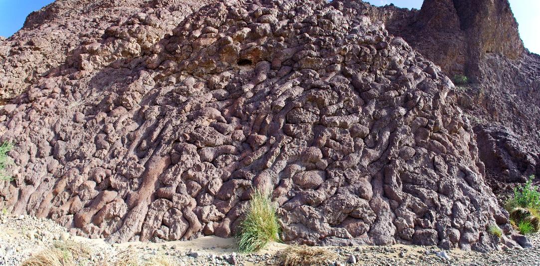 Géotimes, enchevêtrement de pilow-lava.