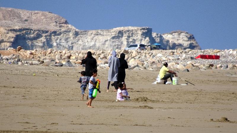 Omanais à la plage.