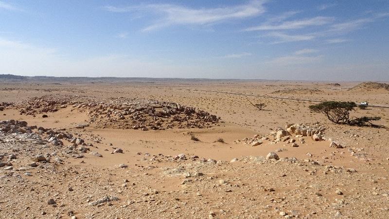 Route en direction de Salalah à la recherche des dunes blanches.