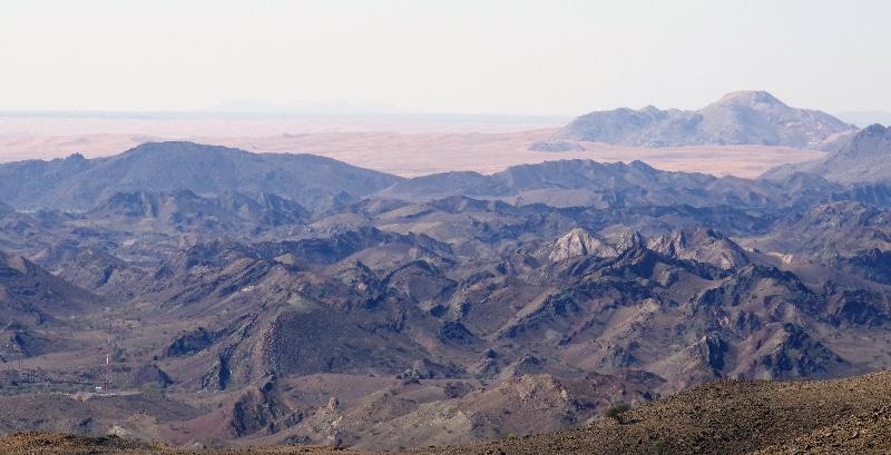 Transition entre montagne et désert.