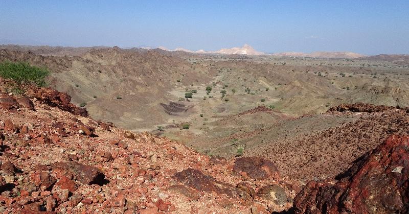 Sur la colline de Zuha, on peut voir la différence avec les paysages qui l'entoure.