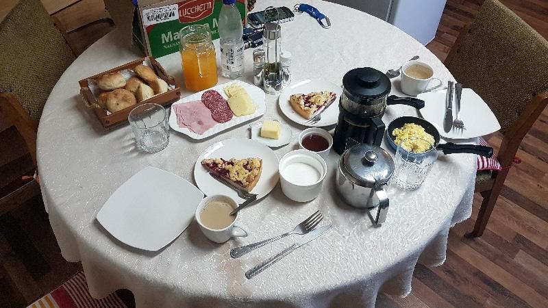 Superbe petit déjeuner au cabañas de Puyuhuapi.