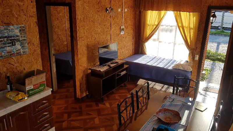 L'intérieur de notre cabañas à Chaitèn, vintage !