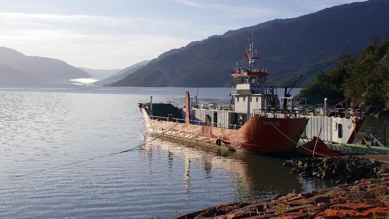 Le ferry à Puerto Hungay.