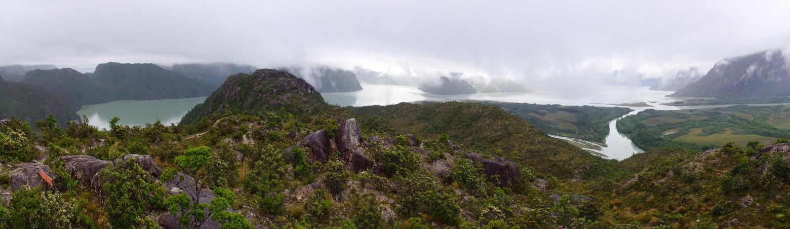 Ciel bien nuageux lors de notre randonnée à Tortel.
