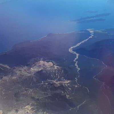 Photos aériennes lors du vol Santiago Balmaceda. Ici le volcan Chaitèn.