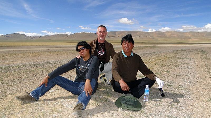 En compagnie de notre guide Tempa (à gauche) et chauffeur Sampa (à droite).