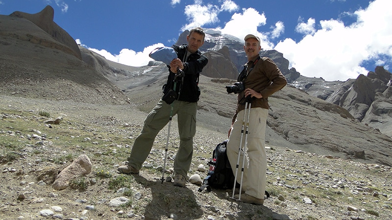 Nous progressons bien sur le chemin de la Kora. Le Kailash juste au-dessus de nous.