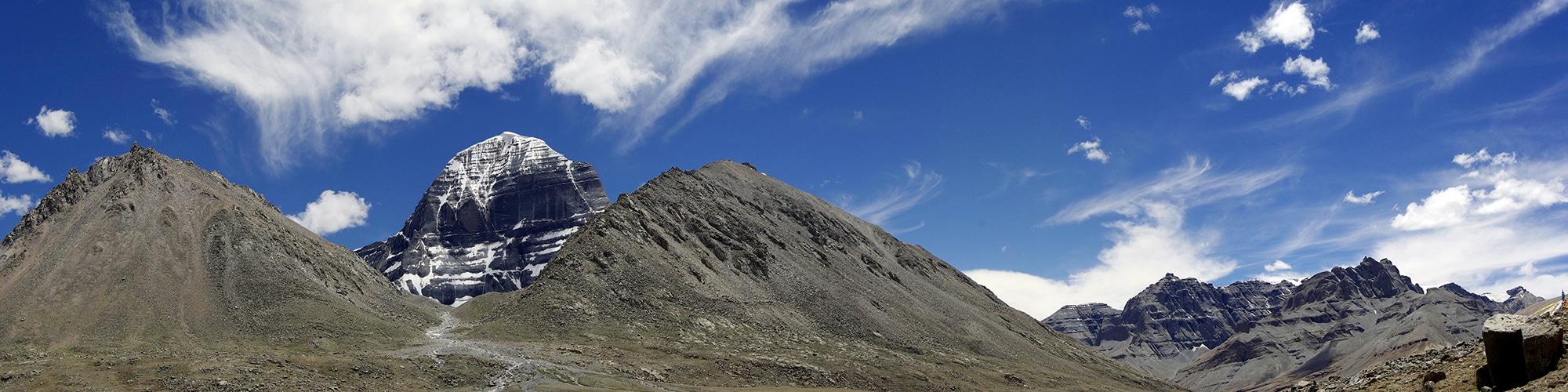 Le Mont Kailash vu du monastère de Dira-puk.