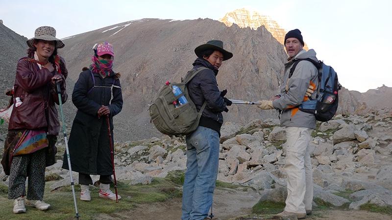 Arrivée au col de Drölma-la à 5 650 m.