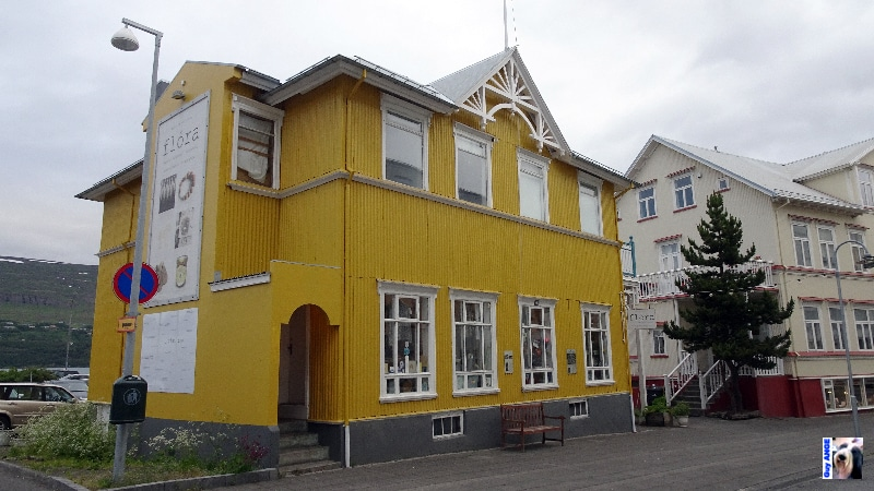 Akureyri, les rues du centre ville, vers le port.