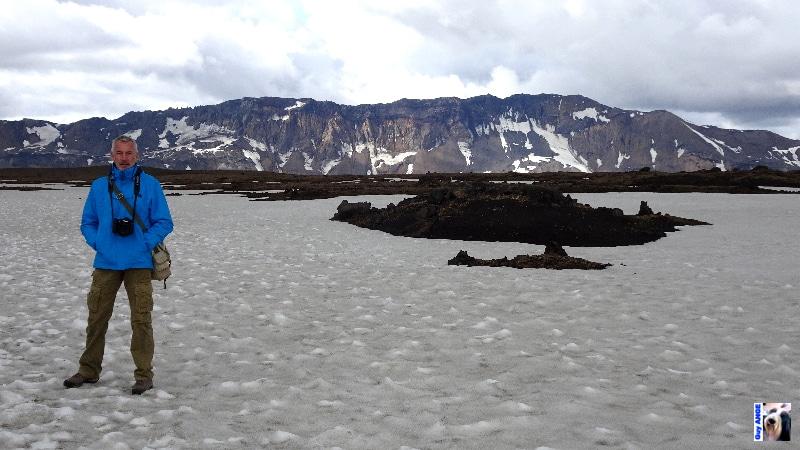 Dans la caldeira d'Askja en direction du lac Öskjuvatna..