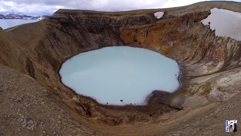 Le cratère Viti dans la caldeira d'Askja.