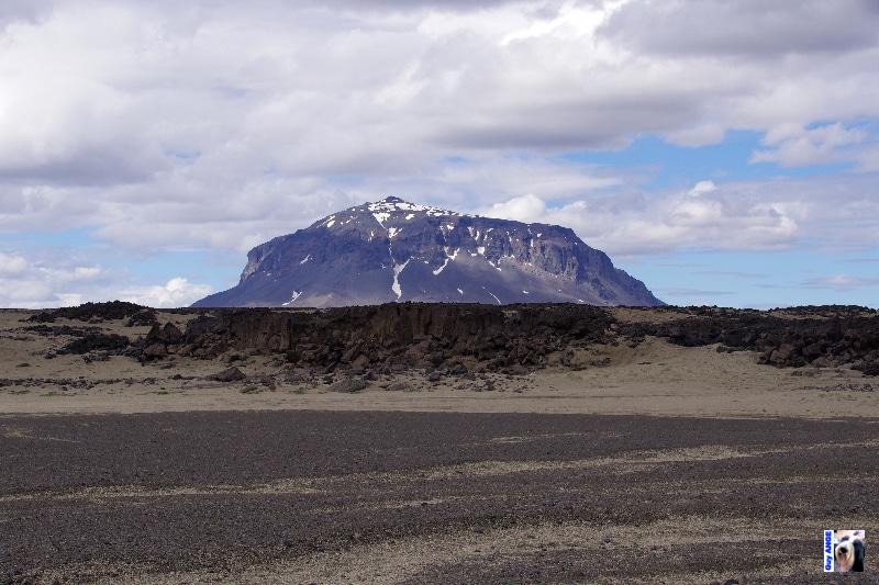 Volcan Herðubreið (Herdubreid).