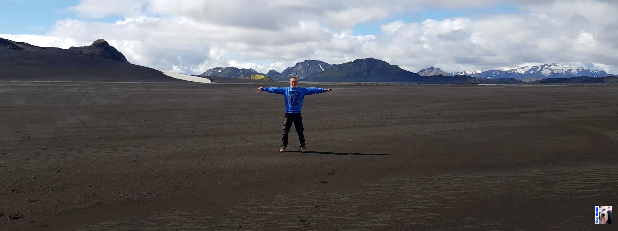 Plaine de sable du Mýrdalsjökull.