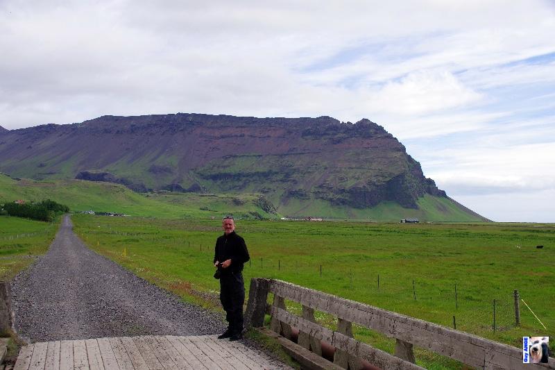 Sur la route N°1, montagnes moussues.