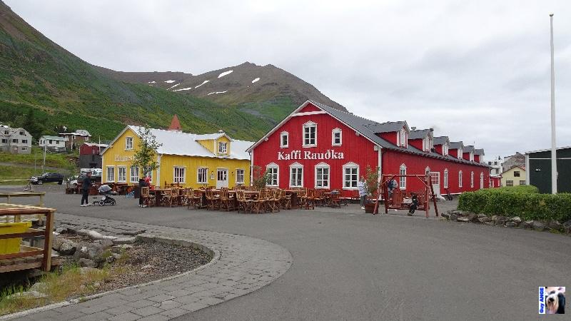 La petite ville de Sigulfjördur.