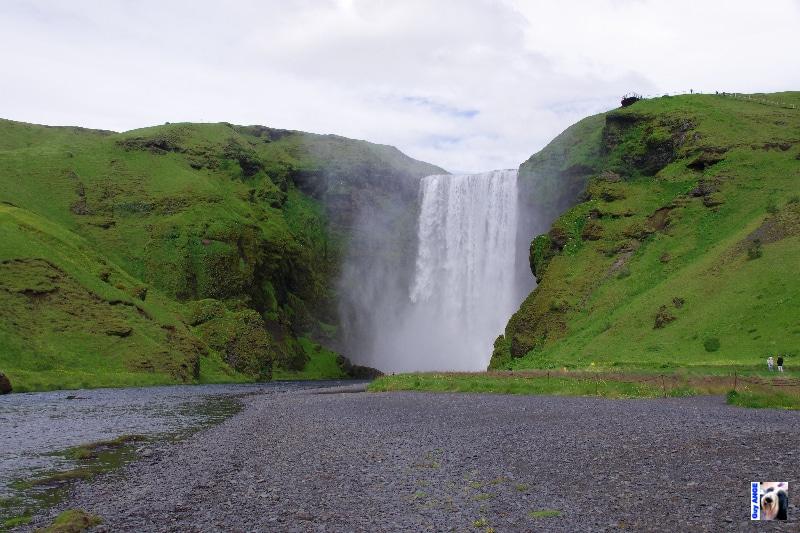 Skogafoss, magnifique cascade.