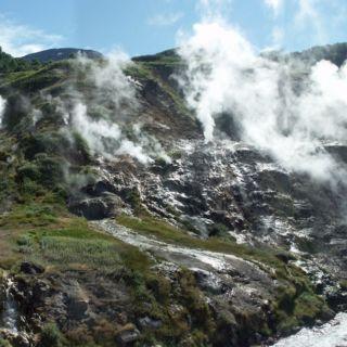 La vallée des geysers.